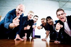 grupo-com-raiva
